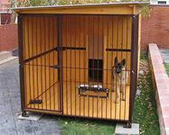 Вольеры для собак следует располагать так, что бы животному  была видна  вся охраняемая территория